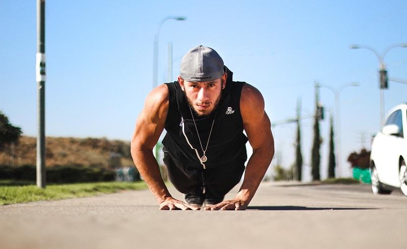I vantaggi degli esercizi a corpo libero a casa